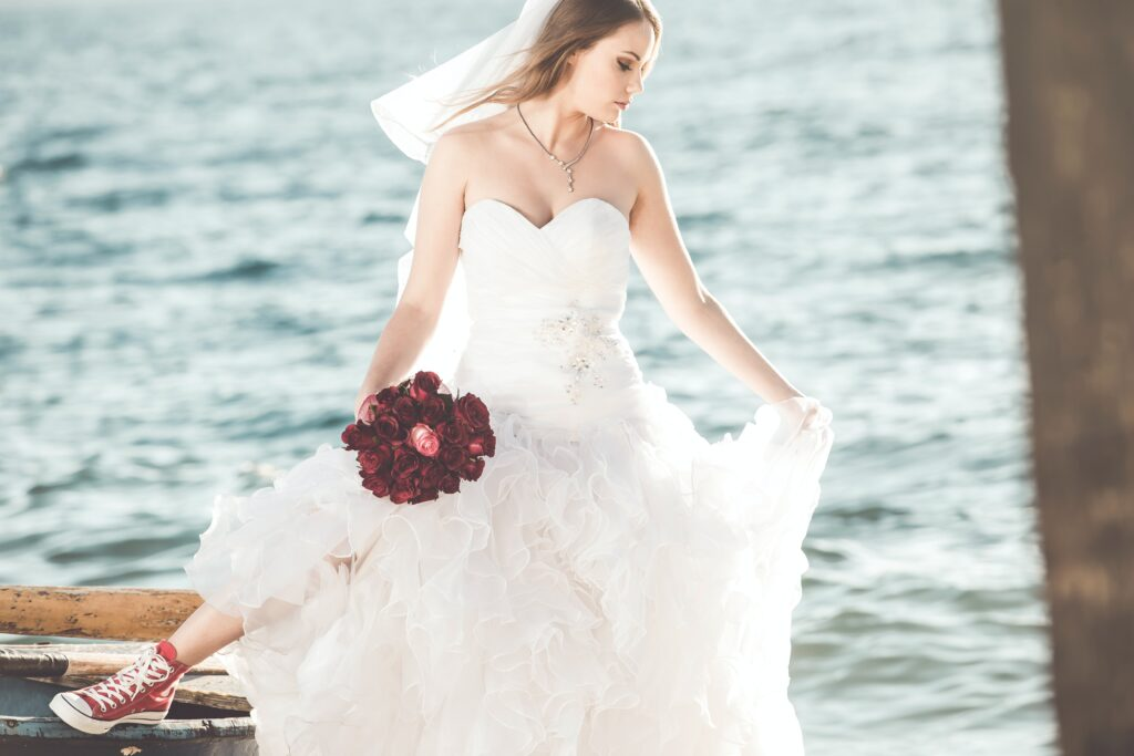 PLUS SIZE WEDDING DRESSES FOR THE SHORT & PRETTY BRIDE THAT YOU ARE